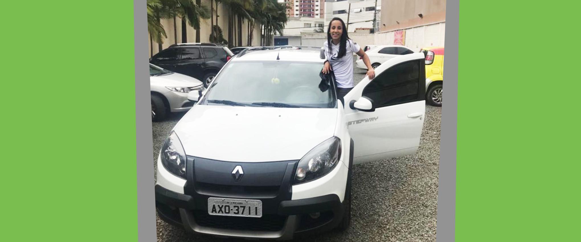 """""""Gastar com financiamento nunca mais!"""" – diz Débora Lourenço"""